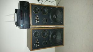 2 12 inch speackers and sony amplifier