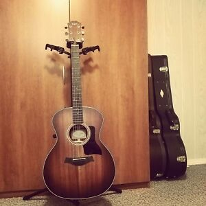Taylor 324ce very cheap like new