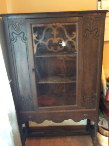 Antique 1920S solid wood display cabinet $95.00