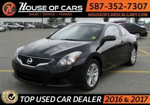 2011 Nissan Altima 2.5 S / Sunroof / Back up Camera / Bluetooth