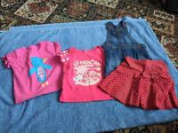 4 ITEMS OF GIRLS CLOTHING, AGE 12-18 MONTHS.