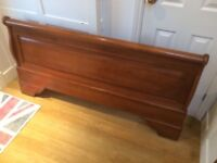 Beautiful Willis & Gambier King size (5ft) sleigh bed