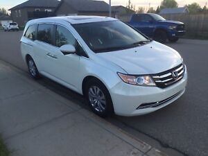 2014 Honda Odyssey EX-L: leather heated, sunroof, backup cam