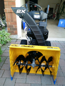 Cub Cadet 2 stage 208cc Gas Snow Blower,1.5 year protection plan