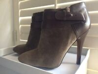 Brown suede ankle boots - Nine West