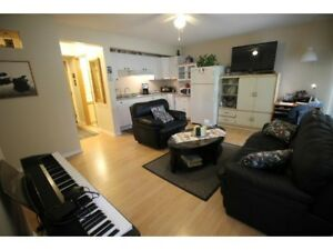 Ground Floor Townhouse Bachelor with small 1 bedroom