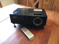 Benq SP831 ultra-bright projector - perfect condition