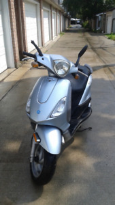 Piaggio 150 Fly Scooter