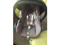 Maxi cosy Cabrio Fix Car seat with maxi cosy easyfix I sofix base!