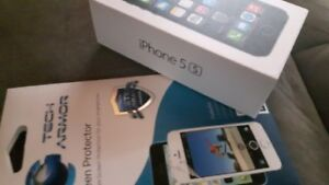 iPhone 5 s - Great Shape - With Tech Armour Screen Protector -