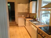 Double rooms in fantastic 7 bed house St Leonards. £125/week inc bills.