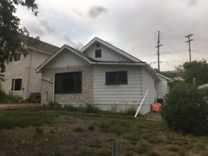 Double lot with 3 br, 1.5 bath & Double Garage - MLS 1723158