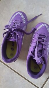 girls soccer cleats size 10T