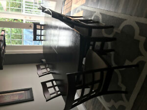 Beautiful Mahogany Dining Table and Chairs