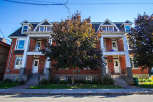 ALL-IN! Sandy Hill 4 Bed w/ Renovated Kitchen!