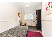 Single Room Old Coulsdon CR5 Surrey nice quiet location £100pw