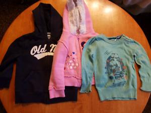 Girls clothes size 2 / vetements de fille