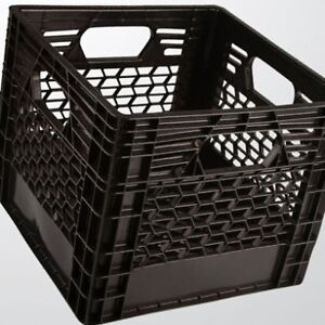 caisses de lait (milk crate)