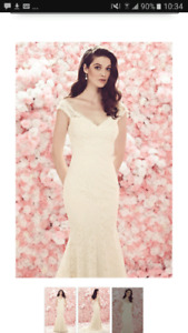 Mikealla wedding dress size 8