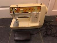 Singer starlet sewing machine in good order