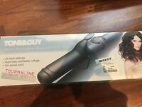 Toni & Guy 38mm Wave and Curl Tong.