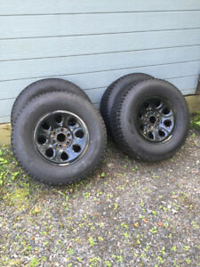 4 Winter Tires(studded) with black rim