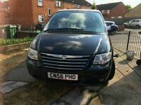 Excellent condition chrysler voyager 2.7 crd diesel Stow nd Go drives perfect long mot 7 seater