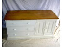 DINING / LIVING / SHABBY CHIC BESPOKE HAND MADE 3 DRAW SOLID WOOD CUPBOARD IN COTTAGE CREAM