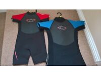 Absolutely Immaculate Children's Wet Suits K6&k10 (Ages 4-5 & 8-10 years) Approx