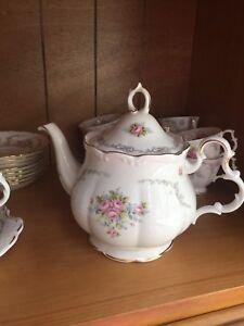 "Royal Albert ""Tranquility"" bone china"