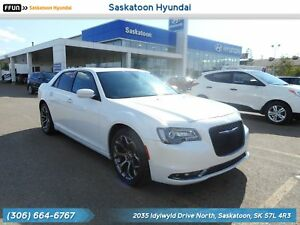 2015 Chrysler 300 S PST Paid - No Accidents - Panoramic Sunroof