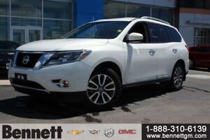 2014 Nissan Pathfinder SL with Leather seats + 4x4