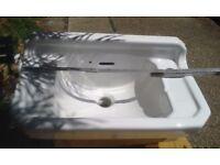Traditional Style White Ceramic Wash Basin / Bathroom Sink