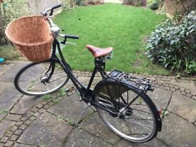 Pashley Princess Classic Traditional - Black. Second hand, 4 years old.