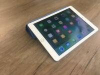 iPad Air 2 64gb Wifi Silver, in box with Apple Smart Cover & 2 other cases