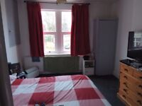 single and double rooms to let from PRIVATE LANDLORD