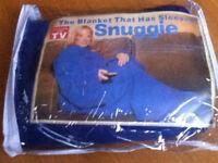 NEW !! Blanket - Snuggie blanket (has sleeves)