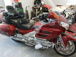 2001 HONDA GOLD WING EXCELLENT CONDITION