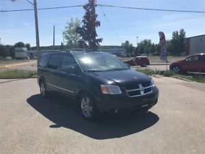 2010 Dodge Grand Caravan SXT Loaded, Leather, Stow and Go Seats!