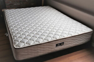 LIKE NEW QUEEN SERTA PEDIC BED DELIVERY