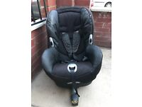 Maxi cosi car seat with built in isofix