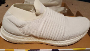 Adidas ULTRABoost Laceless Triple White - DS, Size 9.5
