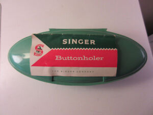 Vintage SINGER Buttonholer With Clam Shell Case, Templates