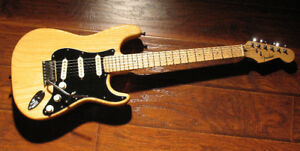 Fender Special Edition Lite Ash Stratocaster -One-Piece Ash Body