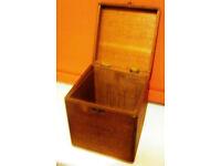 Vintage Corona de Luxe cigar box