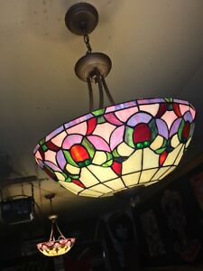Set of 2 Tiffany style lamps.
