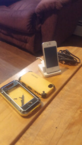 Iphone 4s with accessories