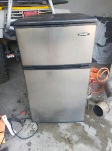 Danby mini fridge+freezer REDUCED