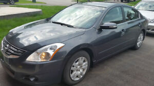 2011 Nissan Altima 3.5 S Sedan - Very Low Mileage