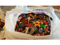18lbs worth of assorted lego pieces